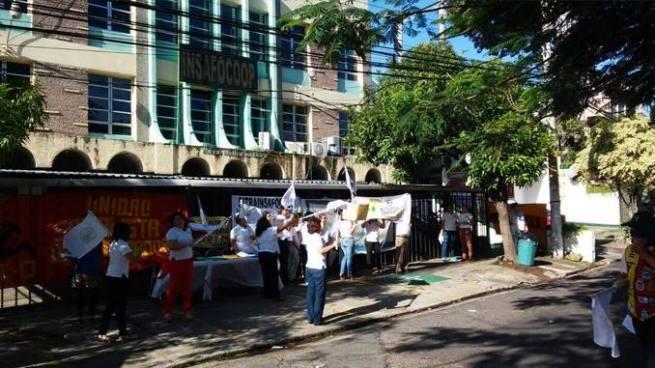 Sindicalistas de INSAFOCOOP realizan protestas en la ciudad de San Salvador