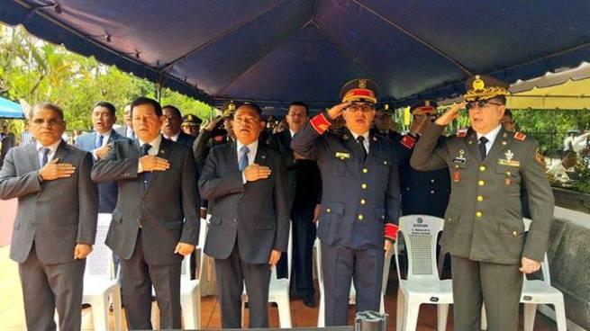 Autoridades rinden homenaje a policías caídos en el cumplimiento del deber