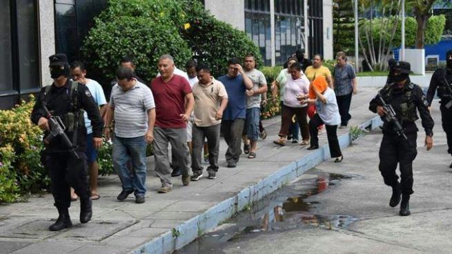 """Fiscalía presenta acusación formal contra imputados en el """"caso transes"""""""