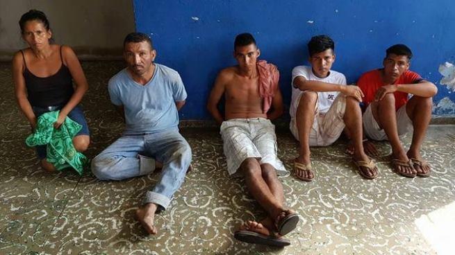 Arrestan a delincuentes por fabricación, portación y distribución de drogas y armas de fuego