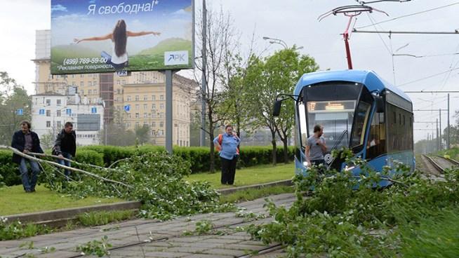 Fuerte temporal en Moscú dejan 11 muertos y 70 heridos