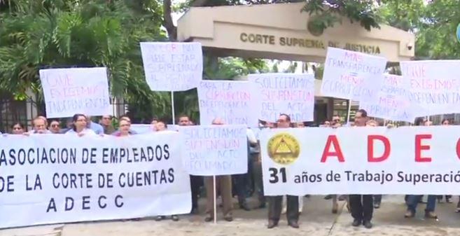 Empleados de la Corte de Cuentas piden independencia presupuestaria