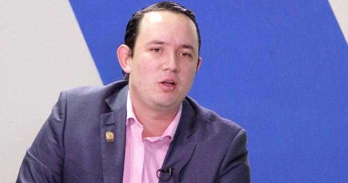 Diputado Arturo Magaña asegura que renunciará voluntariamente al fuero