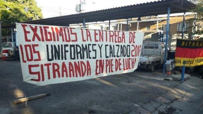 Sindicato de trabajadores de ANDA realiza suspensión de labores por la falta de uniformes