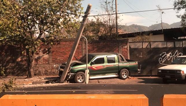 Accidente provoca cierre de uno de los carriles del bulevar Venezuela de San Salvador
