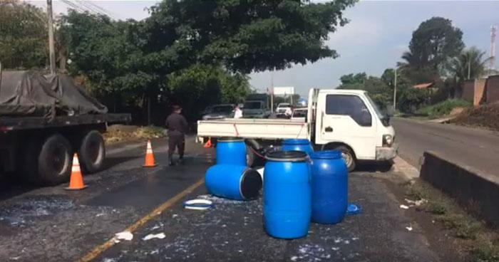 Mujer pierde la vida tras ser arrollada por un camión en Izalco, Sonsonate