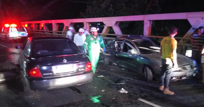 Choque entre dos vehículos en puente de La Libertad deja cuatro lesionados