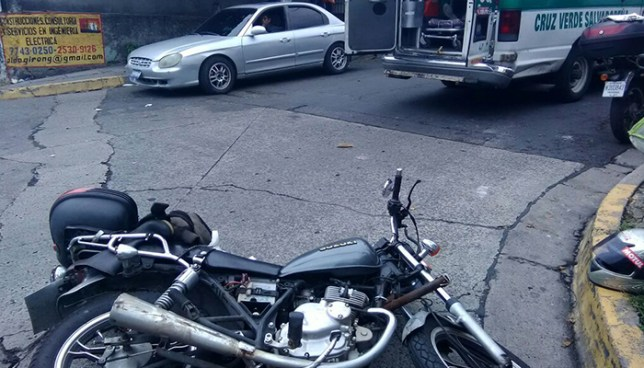 Conductora ebria provoca accidente en el Bulevar Venezuela y huye del lugar