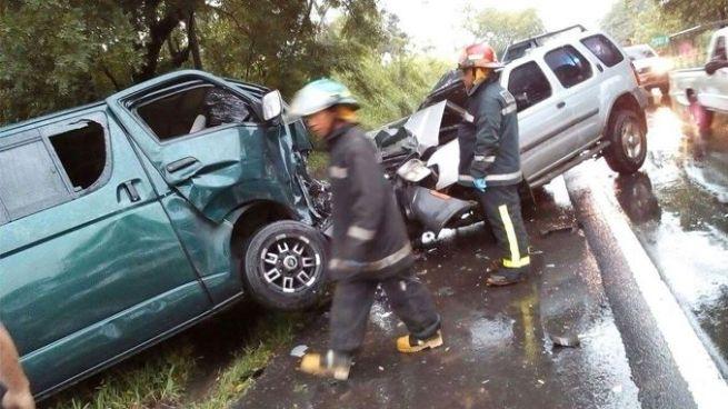 Accidente de tránsito en La Paz deja 5 personas lesionadas