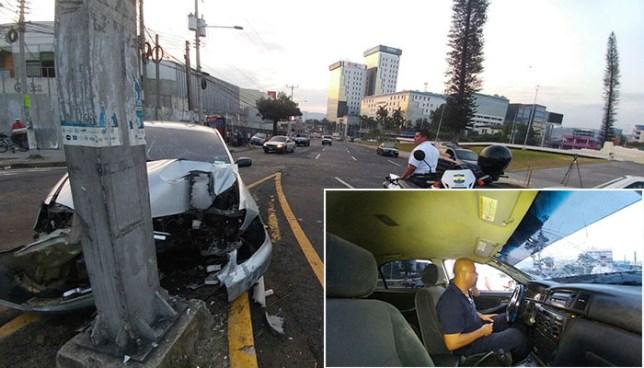 Conductor ebrio chocha frente a la plaza Salvador del Mundo y se niega a salir de su auto