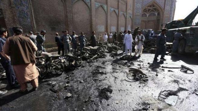 Al menos 4 muertos y 14 heridos tras atentado en un mercado de Afganistán