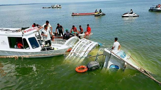 Al menos 41 muertos por dos naufragios en Brasil