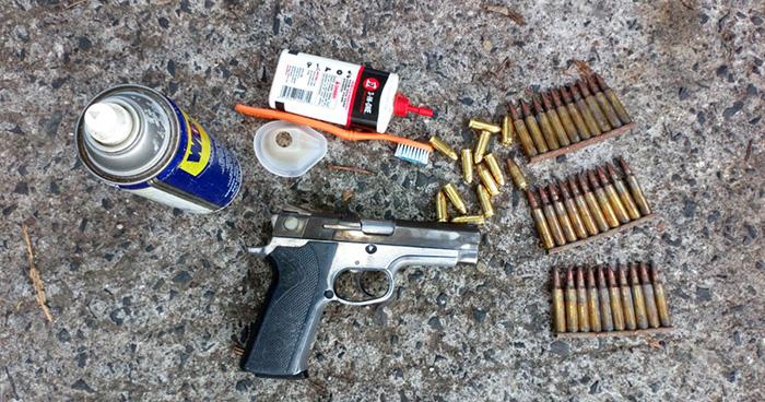 PNC sorprende en Ciudad Delgado a adolescente que cargaba una pistola en su bolsón