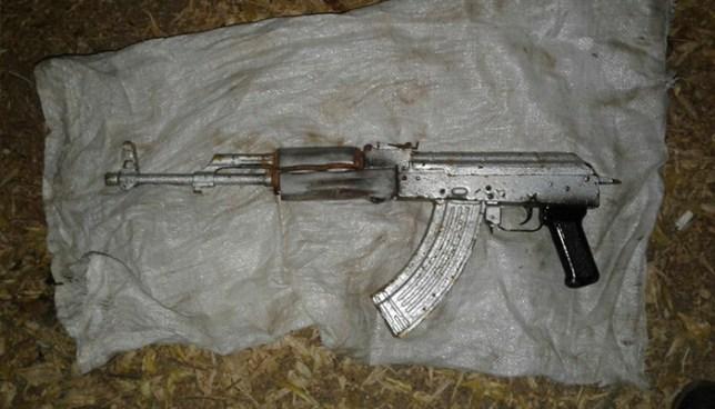 PNC localiza arma de guerra abandonada por pandilleros en La Unión