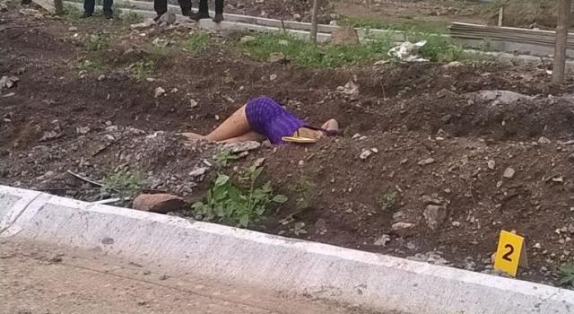 Encuentran cadáver embolsado de transexual en Usulután