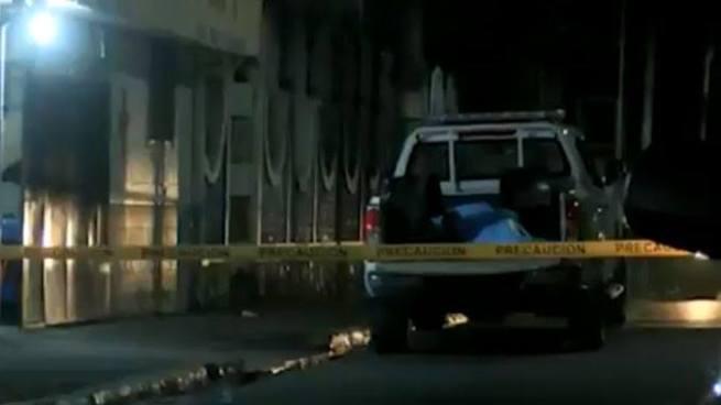 Pandilleros asesinan a escopetazos a la esposa de un policía en Apopa