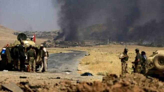 Ataques simultáneos del Estado Islámico deja al menos 74 muertos en Irak