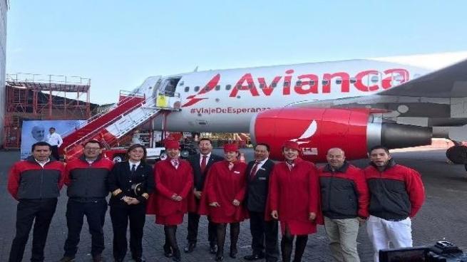 Avianca presentó el avión que utilizará el papa Francisco para sus viajes en Colombia