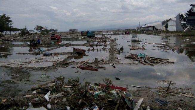 Al menos 20 muertos y más de 100 heridos deja tsunami en Indonesia