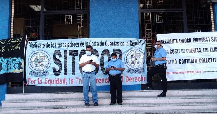 Sindicalistas de la Corte de Cuentas en paro de labores por incumplimiento de contrato