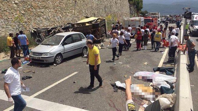 Accidente en autobús deja 23 muertos en Turquía