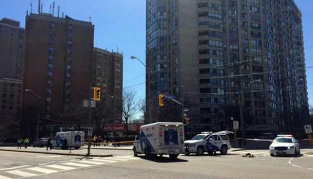 Camioneta embiste a peatones y mata a nueve en Toronto, Canadá
