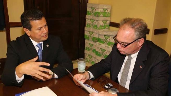 Congresistas de EE.UU firman carta de apoyo para extensión de TPS a salvadoreños