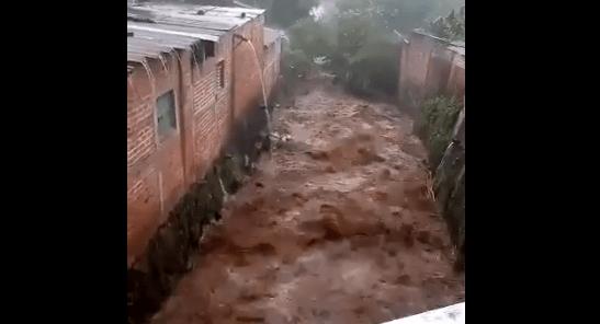 Aumenta a 4 el número de fallecidos por la lluvias en El Salvador