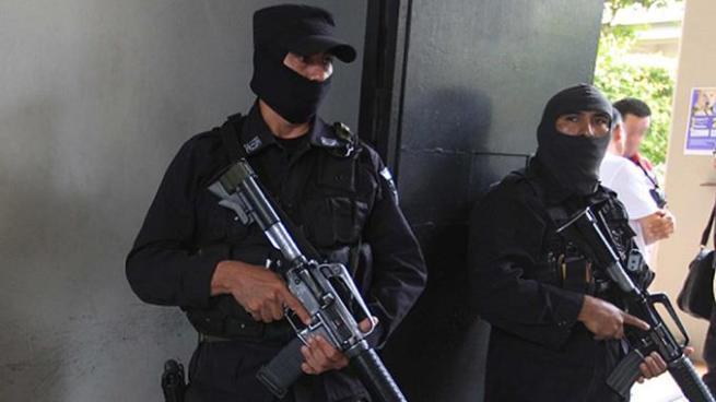 Capturan a exfiscales, exjueces y miembros de la PNC por el delito de corrupción