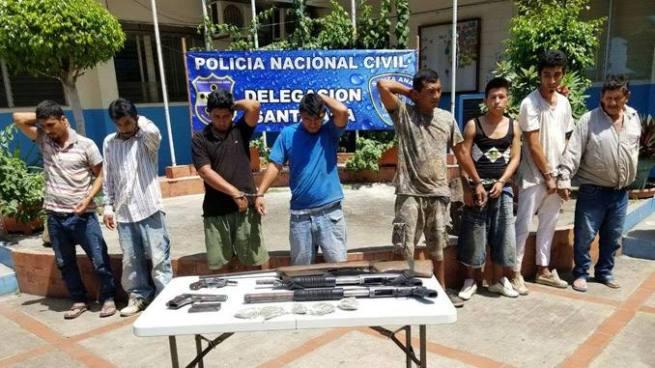 Capturan en Santa Ana a 12 sujetos con drogas y armas de fuego