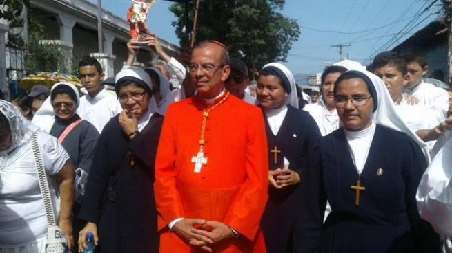 Migueleños reciben al Cardenal Rosa Chávez