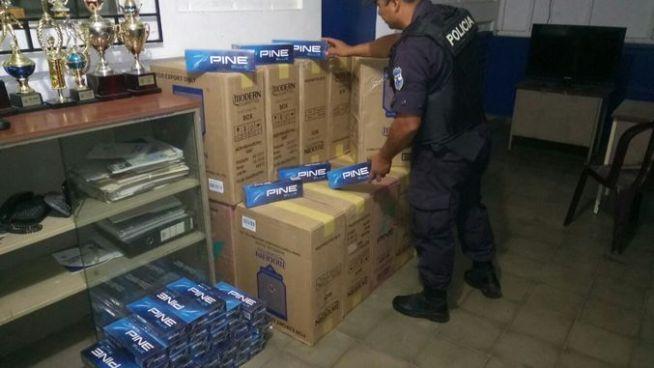 Autoridades decomisan 850 paquetes de cigarrillos en Candelaria de la Frontera