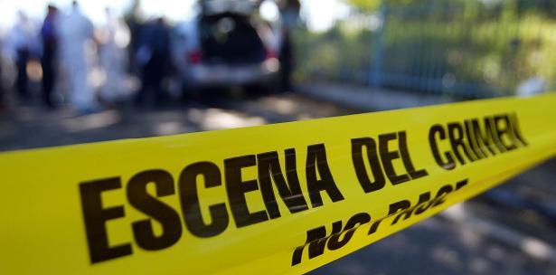Guatemalteco muere tras chocar contra microbús de la Ruta 13 en carretera Ahuachapán