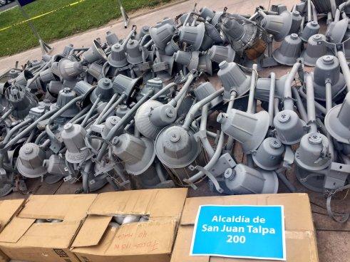 Alcaldía de San Salvador entregó 2,000 luminarias a diferentes alcaldías