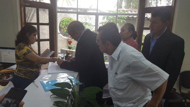 Aspirante a la alcaldía de San Miguel demanda al FMLN ante el TSE por anular su planilla