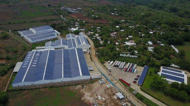 Indufoam invierte $4 millones en instalación de la planta fotovoltaica más grande de Centroamérica