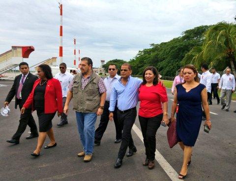 Vicepresidente Ortiz verifica avances en el Aeropuerto Monseñor Romero