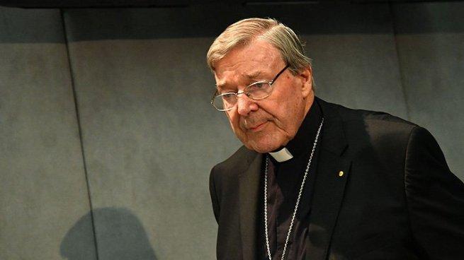 Siguen las acusaciones de abuso sexual contra el tercer hombre más poderoso del Vaticano