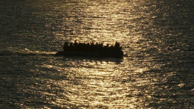 Al menos 60 desaparecidos tras un naufragio de emigrantes en el mar mediterráneo