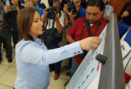 ARENA define ubicación de aspirantes a diputados para elecciones internas