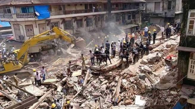 Al menos 19 personas mueren tras derrumbe de un edificio en India
