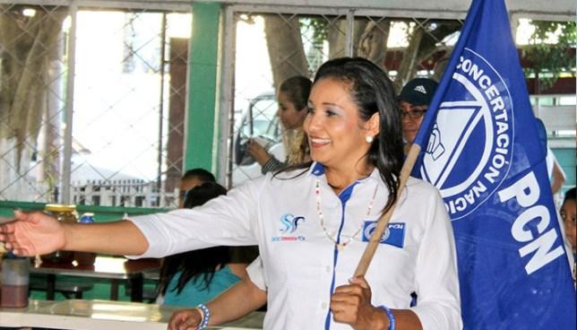 Investigan a la diputada Cristina López por contratar a dos familiares dentro de la Asamblea Legislativa