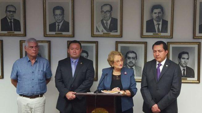 Diputados de los partidos de derecha presentan nueva propuesta de reforma de pensiones