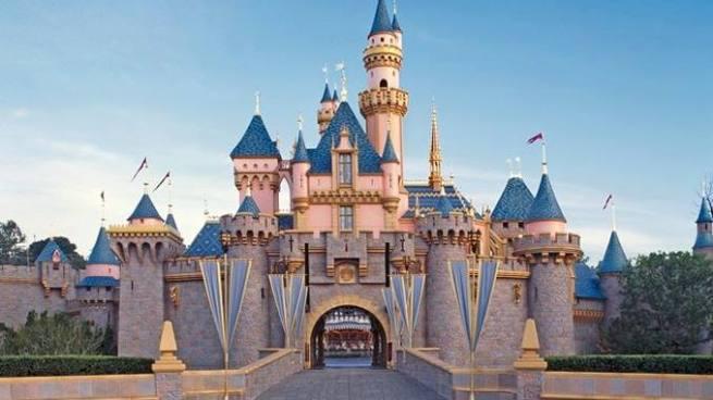 Disney pide disculpas a niño de tres años luego que le prohibiera 'ser princesa por un día'