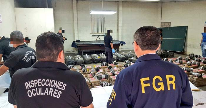 Semisumergible incautado en Acajutla contenía más de $50 millones en droga
