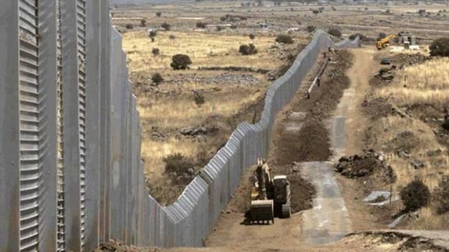 EE.UU. anuncia a las empresas que ayudarán a construir los prototipos del muro con México