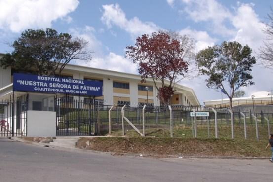 Condenan a exjefa del laboratorio de un hospital en Cojutepeque por no tener titulo universitario
