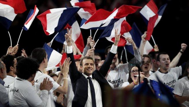 Macron toma posesión como presidente de Francia