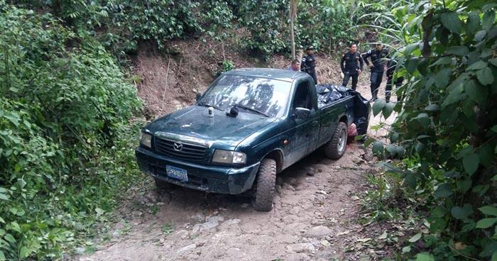 Acribillan a balazos a cuatro hombres que se conducían en un vehículo con placas salvadoreñas en Guatemala
