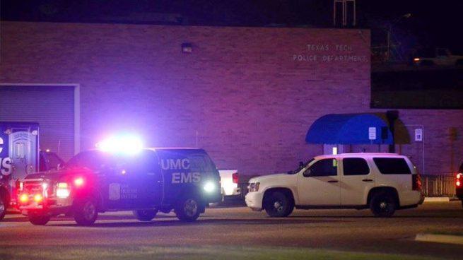 Policía es asesinado por un estudiante universitario en Texas